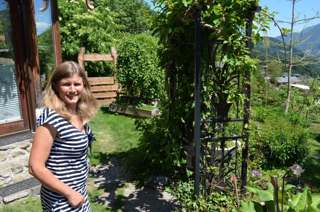 Kräuter sammeln mit Annette Wallner